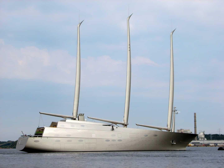Sailing Yacht_A starboard b yFeliz